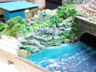 《週刊鉄道模型「少年時代」》墓場の裏の崖