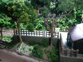 《週刊鉄道模型「少年時代」》駅ホーム裏の木々