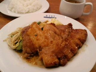 京橋「レストランサカキ」のもち豚のポークジンジャー
